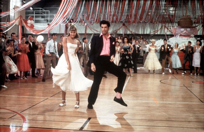 grease-1978-movie-still-1